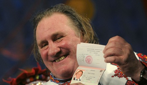 Gérard Depardieu, tax exile, showing off his new Russian passport in Saransk, 6 January 2013 (Photo: Krasilnikov Stanislav/Itar-Tass/ABACA)