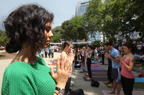 Yoga, Gezi Park, Istanbul, June 6 2013 (Photo: AP/Thanassis Stavrakis)