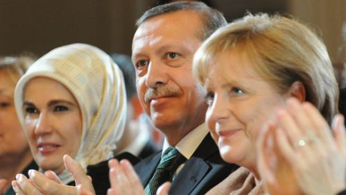 Emine, Tayyip & Angela, Istanbul, March 29 2010  (photo: Bulent Kilic/AFP/Getty Images)