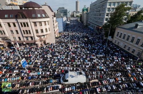 Moscow, Eid al-Fitr, August 30 2011 (Photo: Ilya Varlamov/RT)