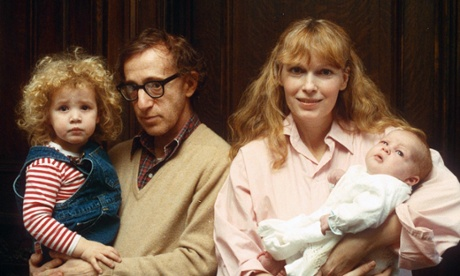 Dylan, Woody Allen, Mia Farrow, and Ronan in 1988.  Photo credit: Photoreporters Inc/REX