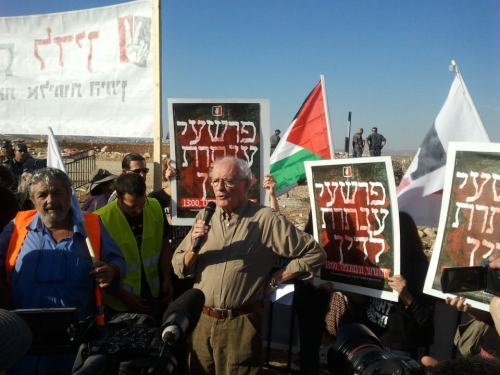 Zeev Sternhell addressing Sheikh Jarrah Solidarity rally,  'Anata-Jerusalem, November 11 2011