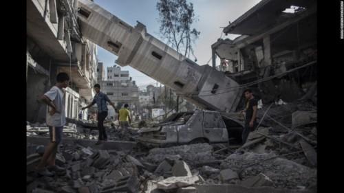 Gaza, July 30 2014 (photo:  Oliver Weiken/EPA/Landov)