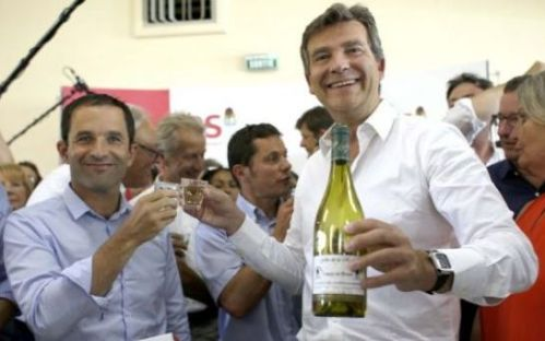 Benoît Hamon and Arnaud Montebourg having a fine time at the Fête de la Rose, Frangy-en-Bresse (Saône-et-Loire), August 24 2014 (photo: LP/Olivier Corsan)