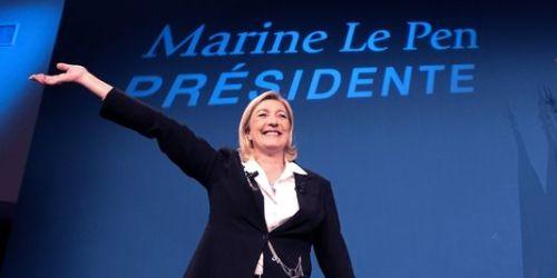 (photo: AFP/Joel Saget)