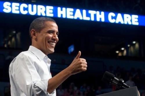 US President Barack Obama gives a thumbs