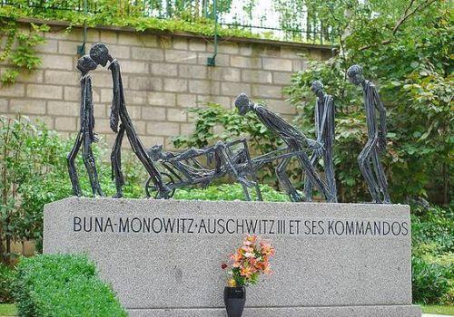 Père Lachaise cemetery , Paris